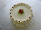 <b>8' Traditional Cake  (Also Available In 6' 10' 12')</b>